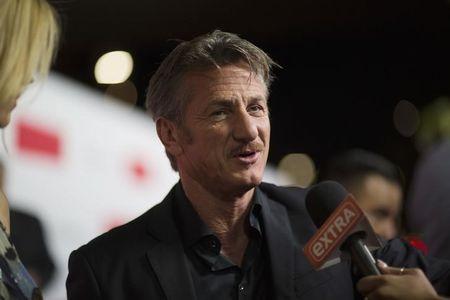 """ESTREIA–Sean Penn se torna herói de filme de pancadaria em """"O Franco-Atirador"""""""