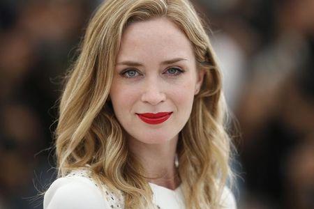 Em festa de Cannes, Rachel Weisz e Emily Blunt discutem desigualdade de gêneros