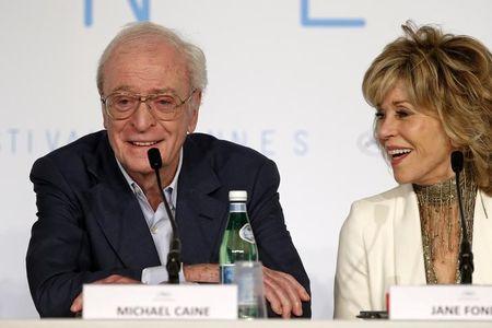 """Michael Caine e Jane Fonda não escondem idade na estreia de """"Youth"""" em Cannes"""