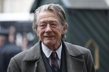 Ator John Hurt revela ter câncer no pâncreas, diz agência