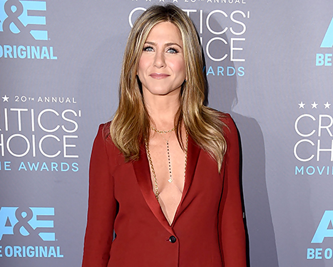 Jennifer Aniston Reacts to Oscars 2015 Cake Snub, Says Reese Witherspoon and Julianne Moore Emailed Her