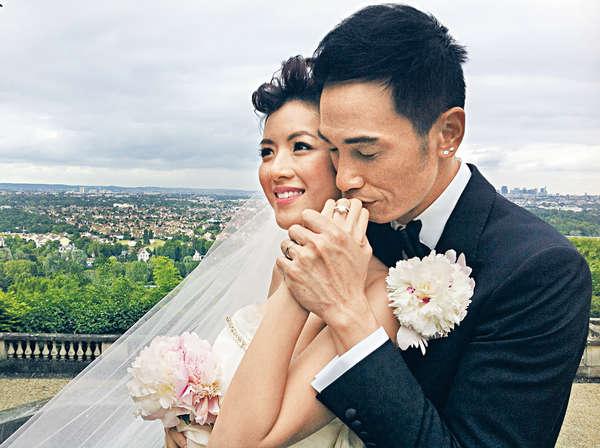 陳豪和陳茵媺有情人終成眷屬,在巴黎結成夫婦。Aimee早上急不及待在微博公布喜訊。