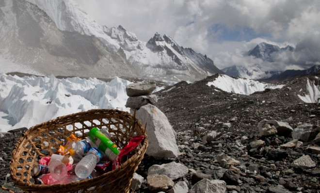 Indian army to clean up Mount Everest mess