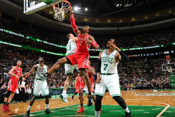 Howard has 32 and 10, Rockets top Celtics 104-92