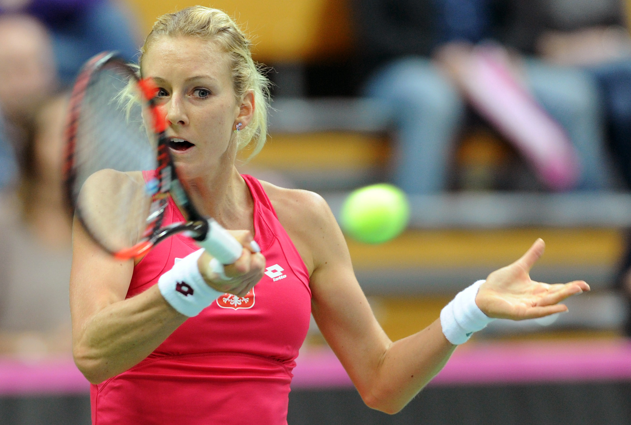 Fed Cup: Hingis loses again but Switzerland beats Poland 3-2