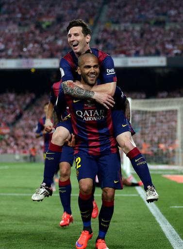 Messi scores 2 to lead Barcelona past Bilbao 3-1 to win Copa
