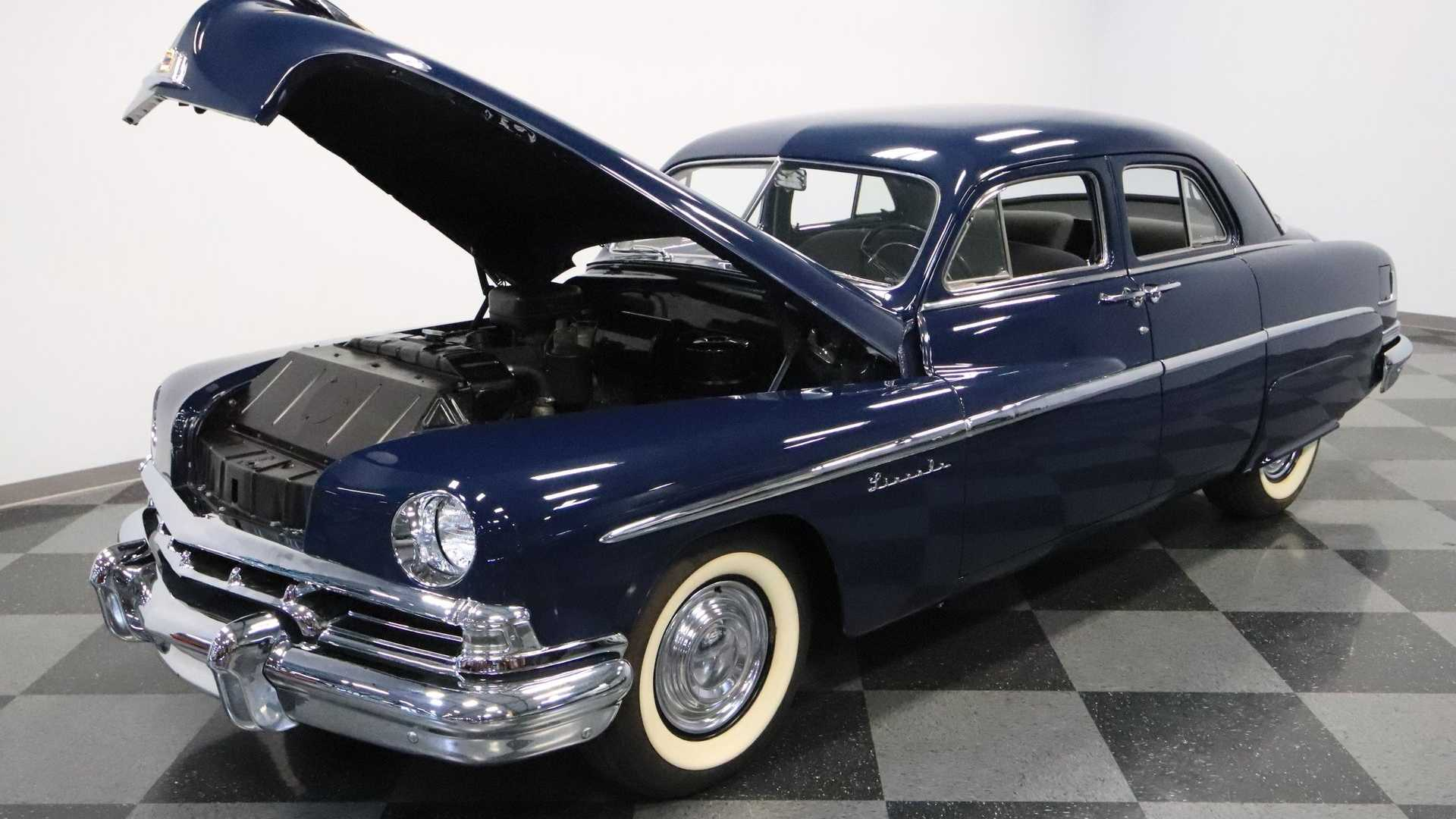 This Vintage Luxury 1951 Lincoln Sedan Could Be Yours Today