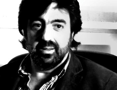 Víctor García: Oxígeno no va a ser una serie tontorrona de adolescentes, sino un producto comprometido