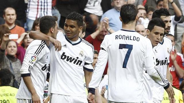 Liga - Ozil y Benzema tiran del Madrid antes de la batalla de Dortmund (3-1)