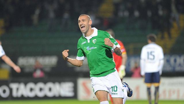 Serie B - Derby campano e primato: notte magica Avellino