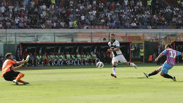 Un buon Catania mette nei guai il Parma