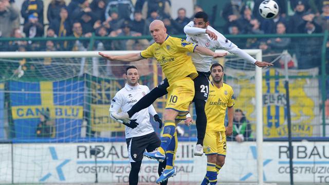 Serie B - Sassuolo show, Verona bloccato sullo 0-0