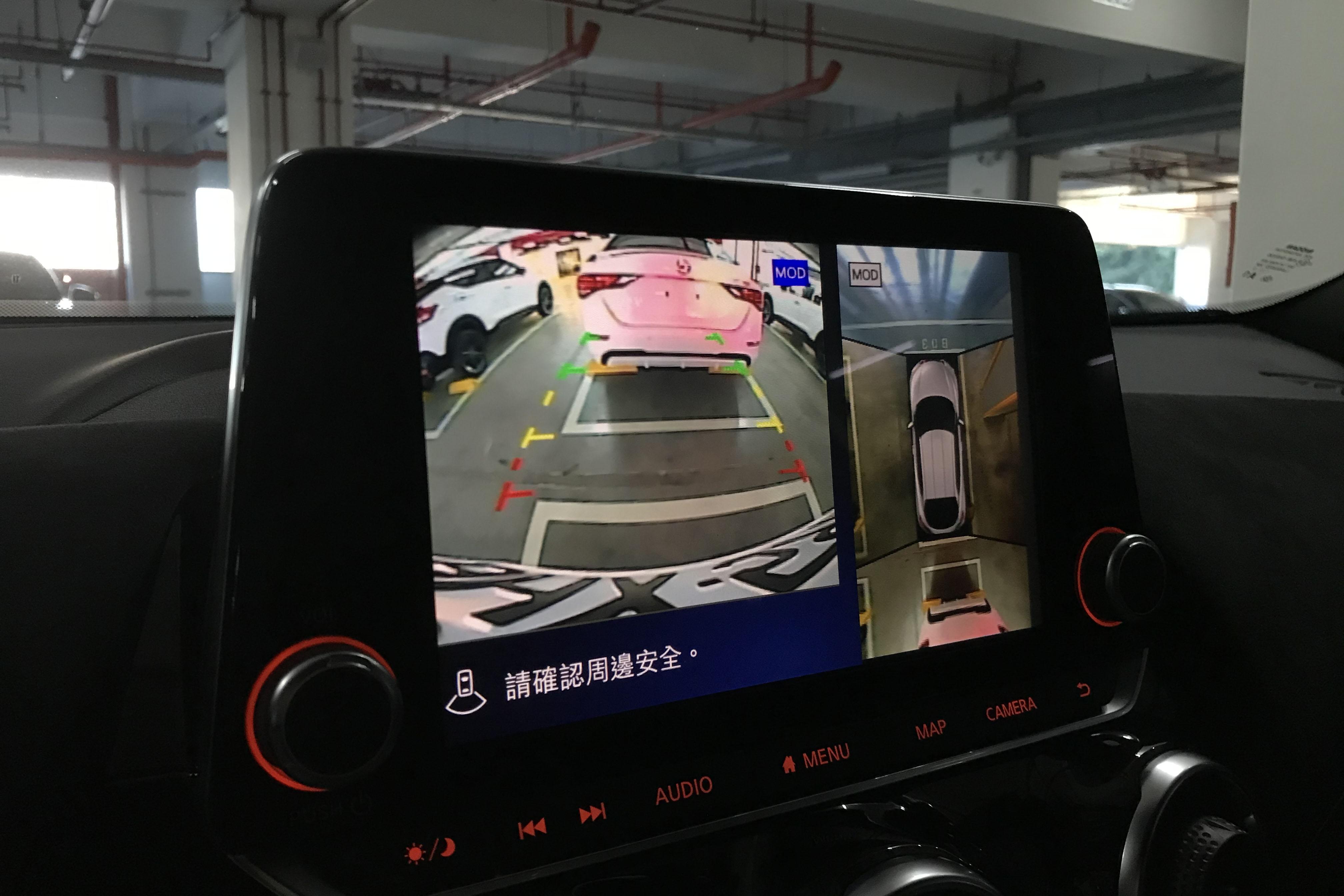 中階和頂規版本也擁有畫質還可接受的環景影像監控系統。