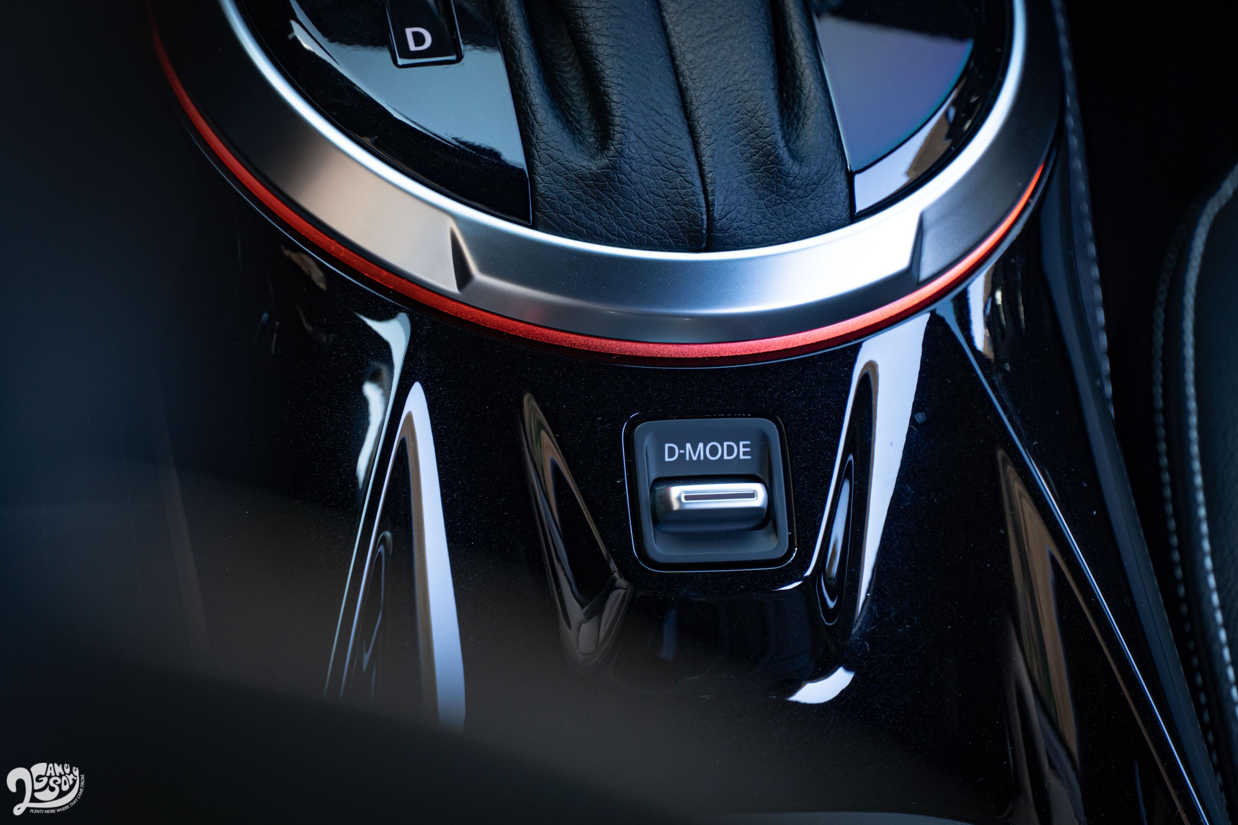 D-Mode 整合駕駛模式提供 ECO節能/ Normal一般/ Sport運動模式。