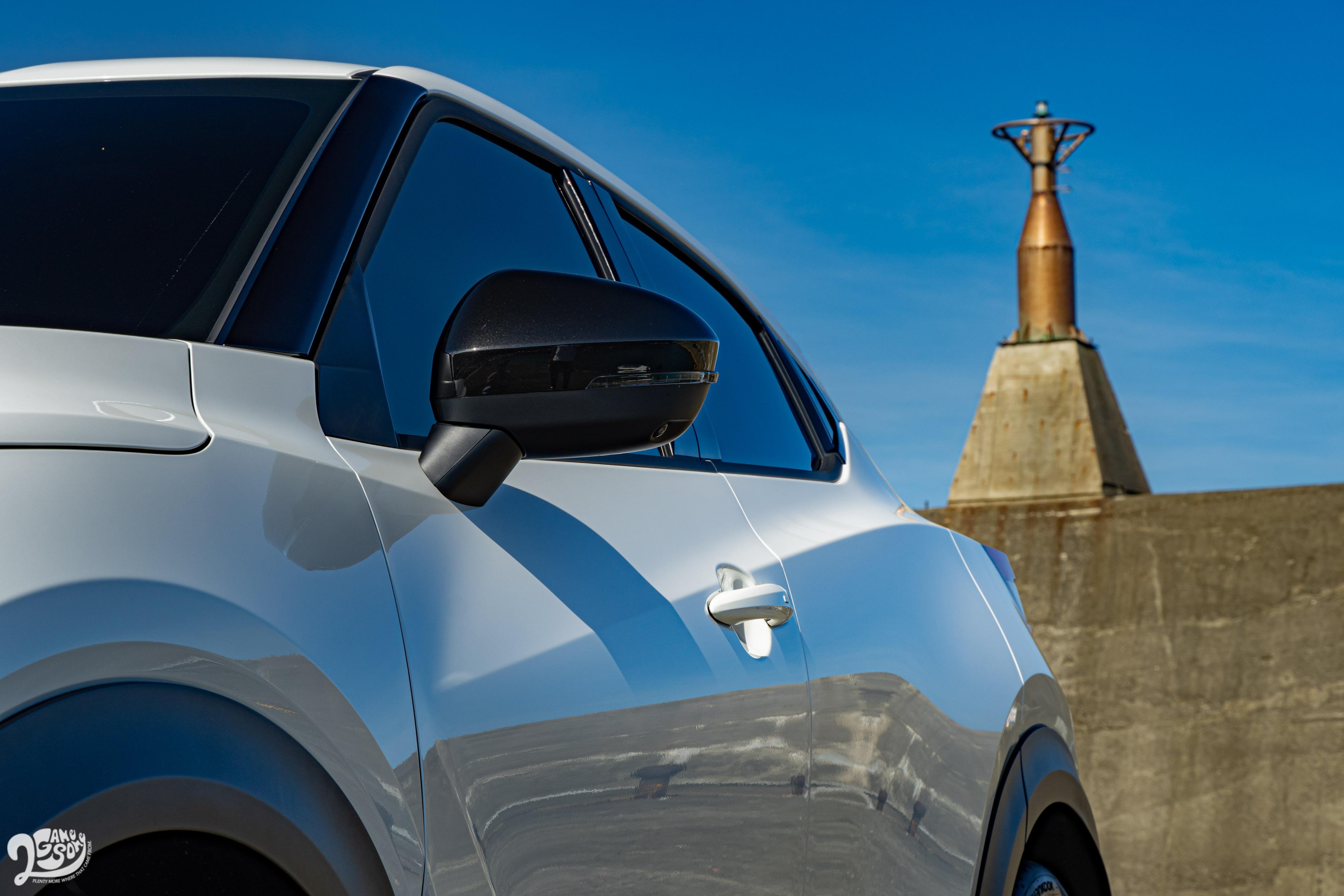 Nissan Juke 分三車型販售:英倫版 86.9 萬元、駕趣版 94.9 萬元、駕趣享樂版 98.9 萬元。