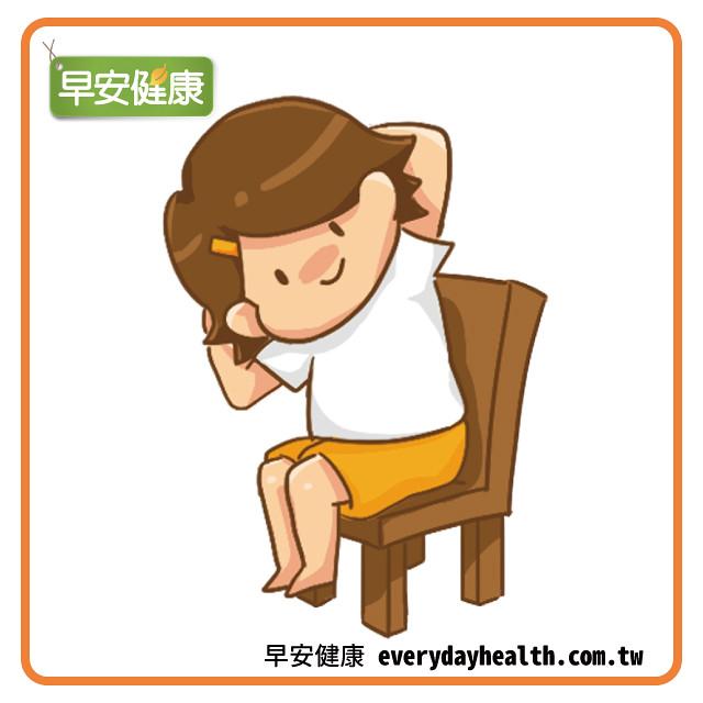 抱頭側彎腰伸展側腰部