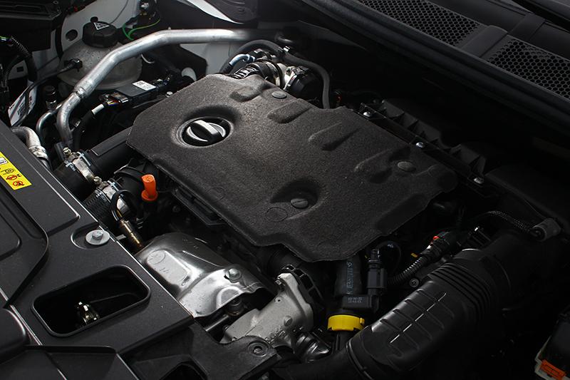 1.5L BlueHDi柴油引擎具備130匹與30.6公斤米輸出,更帶來每公升18.4km的優異平均油耗。