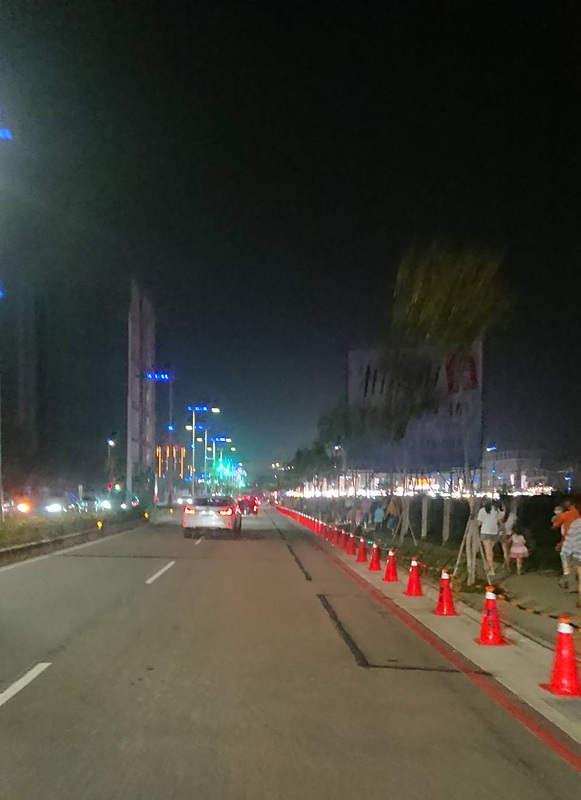 台中捷運總站夜市重新營業(2) (圖)