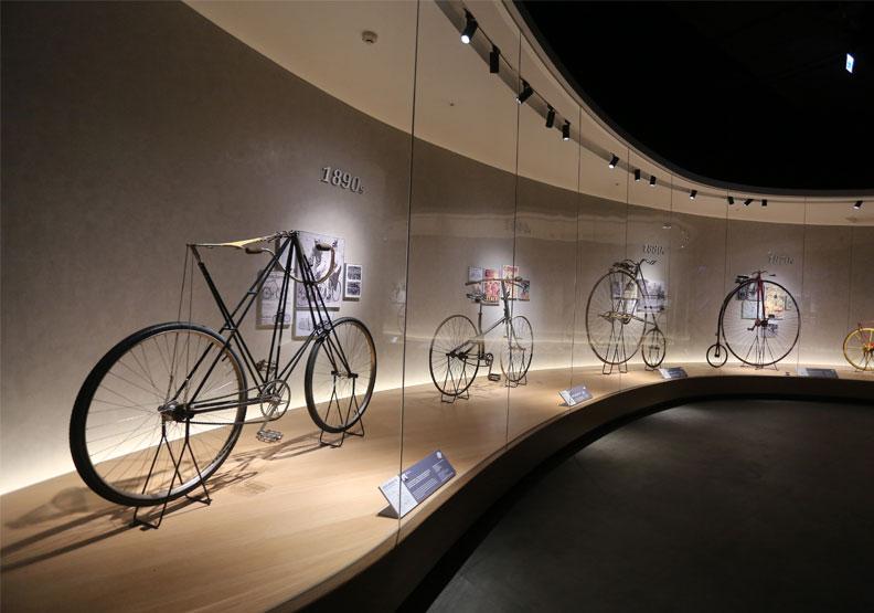 巨大集團自行車文化探索館內部展示。張智傑攝