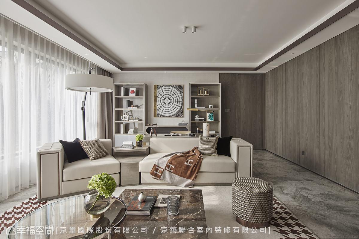 溫潤的木質牆面緩緩釋放恬澹氣息,圍塑令人身心俱暖的生活場景。