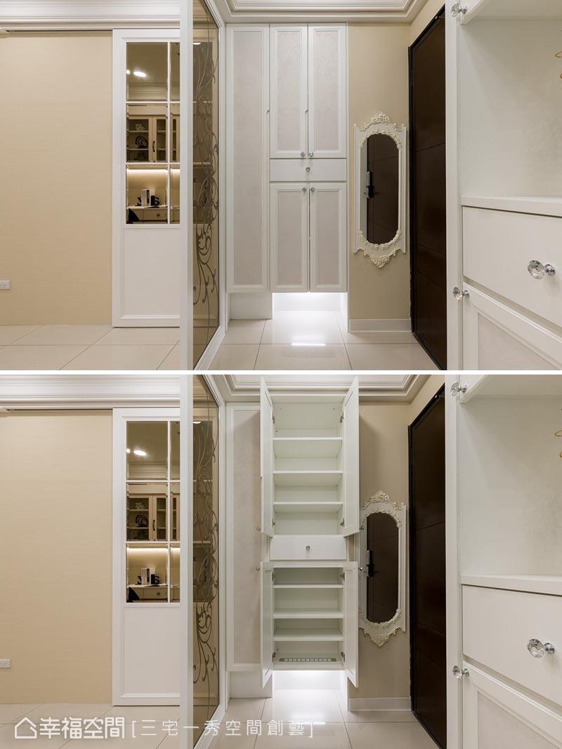 玄關區配置3尺櫃體,小空間大利用,完整規劃出衣帽櫃、鞋櫃及下方懸空擺放拖鞋、掃地機器人的地方。