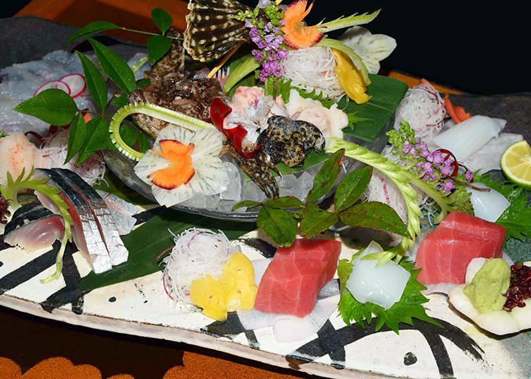 照片裡為當季的三種生切片拼盤(未含稅2,500日圓)