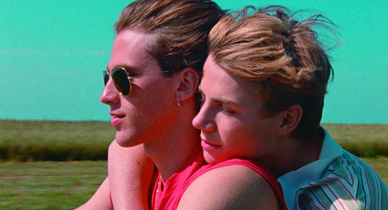 法国导演欧容以擅长的情慾题材与惊悚元素,把少男们的同志恋情拍得浪漫又残酷,小鲜肉更是俊美无比。(好威映象提供)