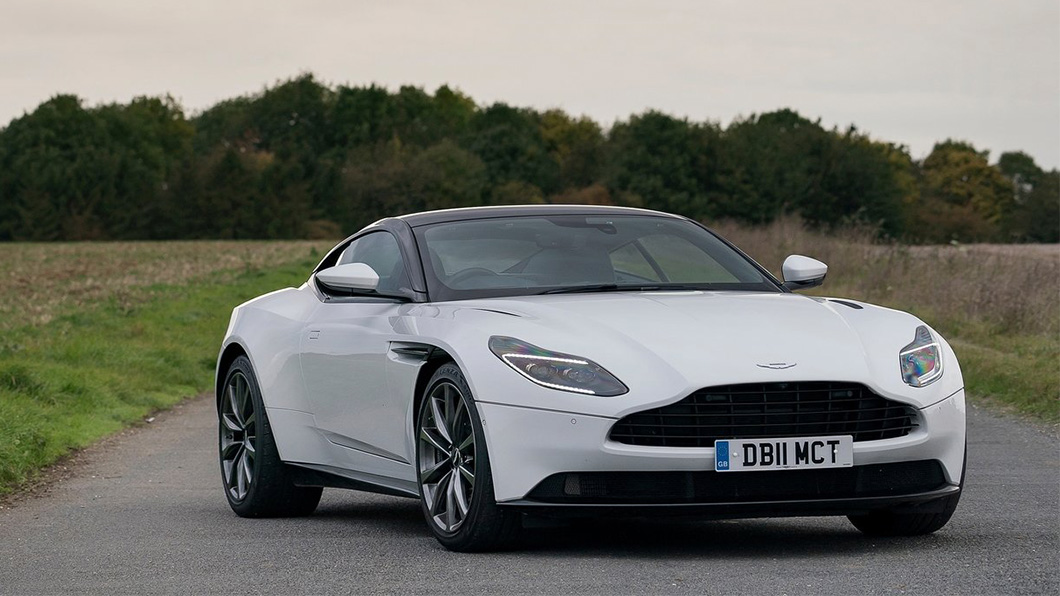 Aston Martin DB11 V8車型搭載著4.0升雙渦輪缸內直噴引擎,有著510匹馬力、68.8公斤米鈕力,售價1,038萬。(圖片來源/ Aston Martin)