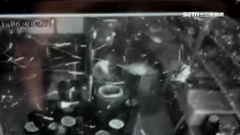 清晨巨響!飲料店氣爆6幢房玻璃碎