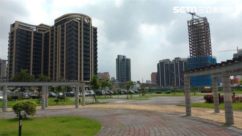 台北市老國宅單價與新北市新成屋單價不相上下。(圖/記者陳韋帆攝影)