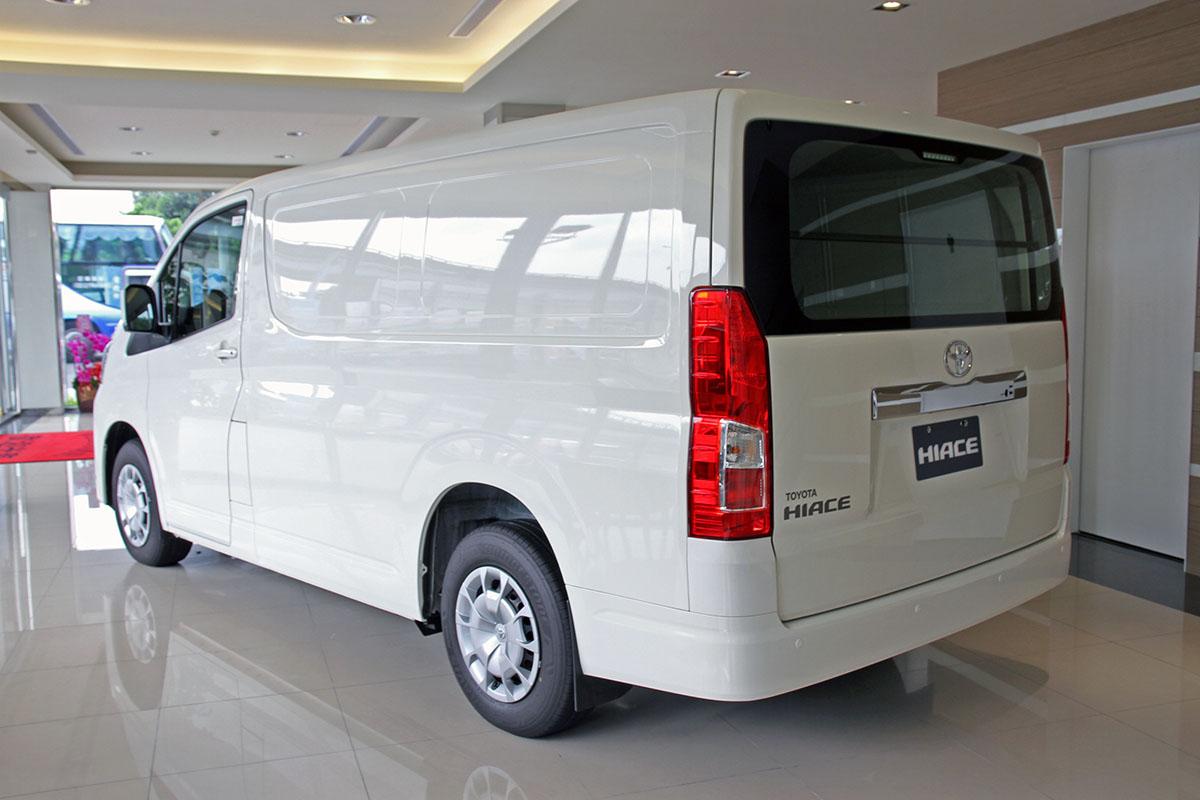 競爭力十足的日系純商用車 Toyota Hiace 第六代國際向規格展間