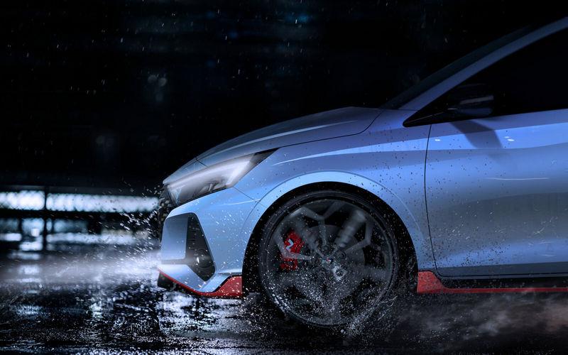 紅色卡鉗、飾條與輪圈大幅提升i20 N性能氣息。