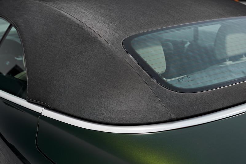 因配置軟頂機構因此車重也較以往減輕40%。
