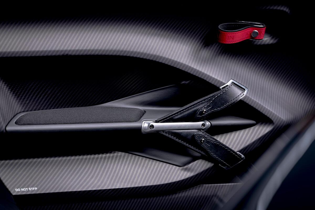 V12-Speedster-6.jpg