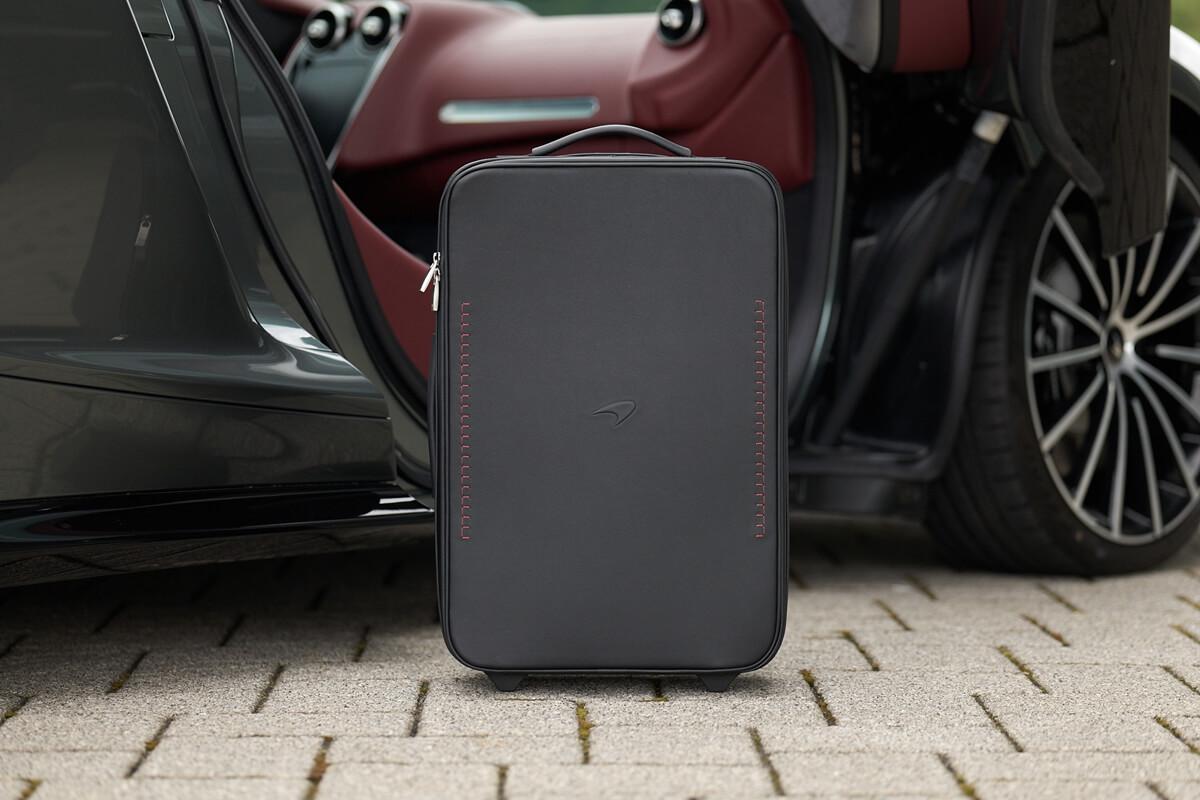 Large-11258-McLaren-GT-set-of-luggage.jpg