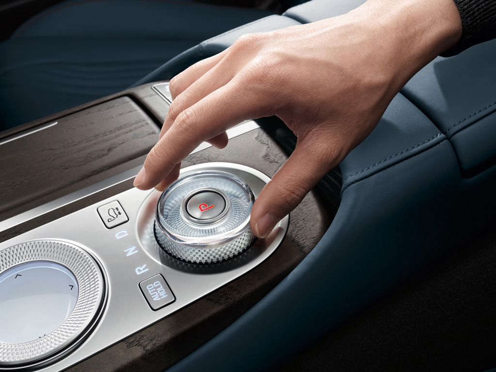 1024x768-interior-gallery05-C80-gallery-the-all-new-genesis-g80.jpg
