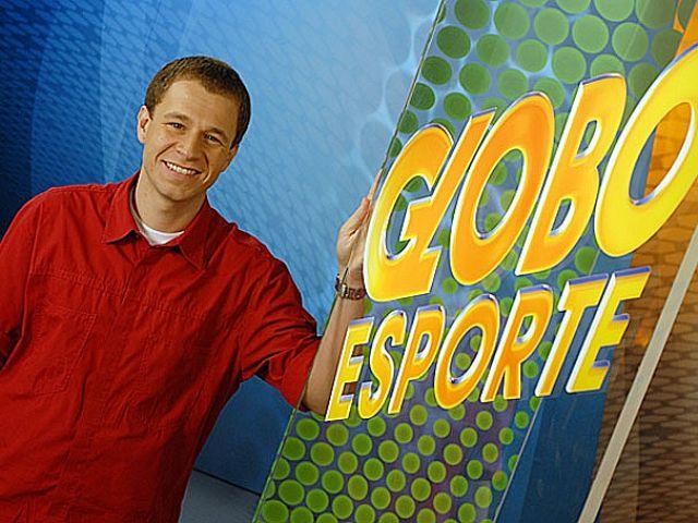 Volta de Tiago Leifert ao 'Globo Esporte' deve demorar mais um pouco