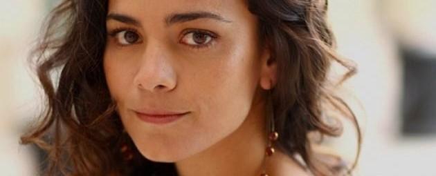 Kill Me Three Times: Alice Braga corre perigo no trailer para maiores
