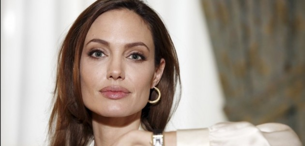 Mulher-Maravilha: Angelina Jolie pode dirigir filme solo da heroína
