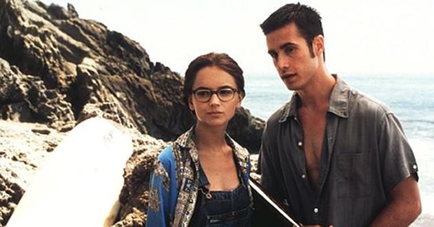 Ela é Demais: Comédia romântica com Freddie Prince Jr. vai ganhar remake