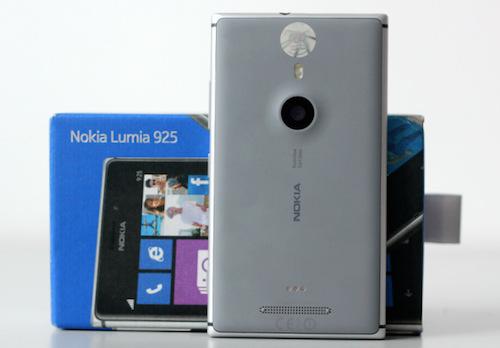 Nokia-Lumia-925-4-JPG-13774869-2568-2044