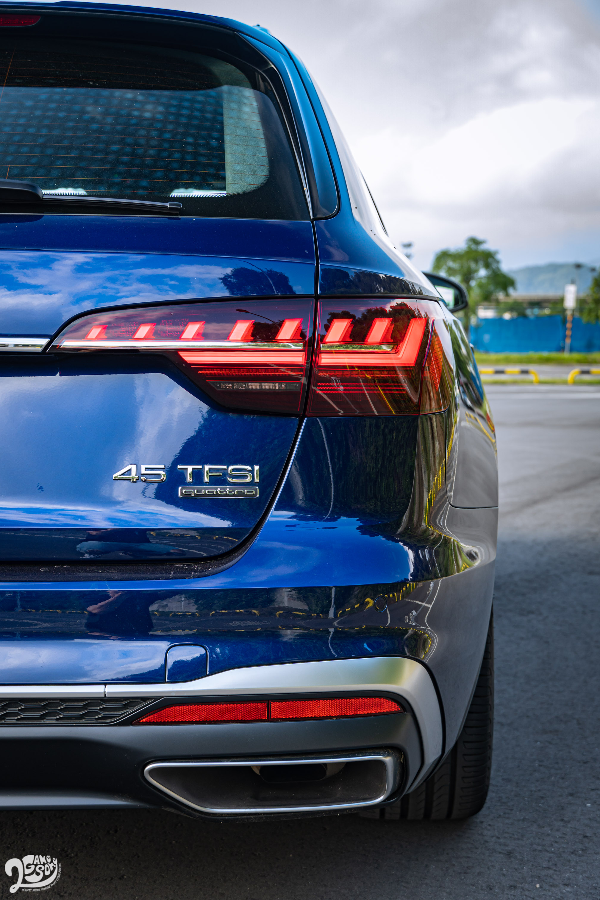 A4 Avant 45 TFSI quattro S line 售價 272 萬起。