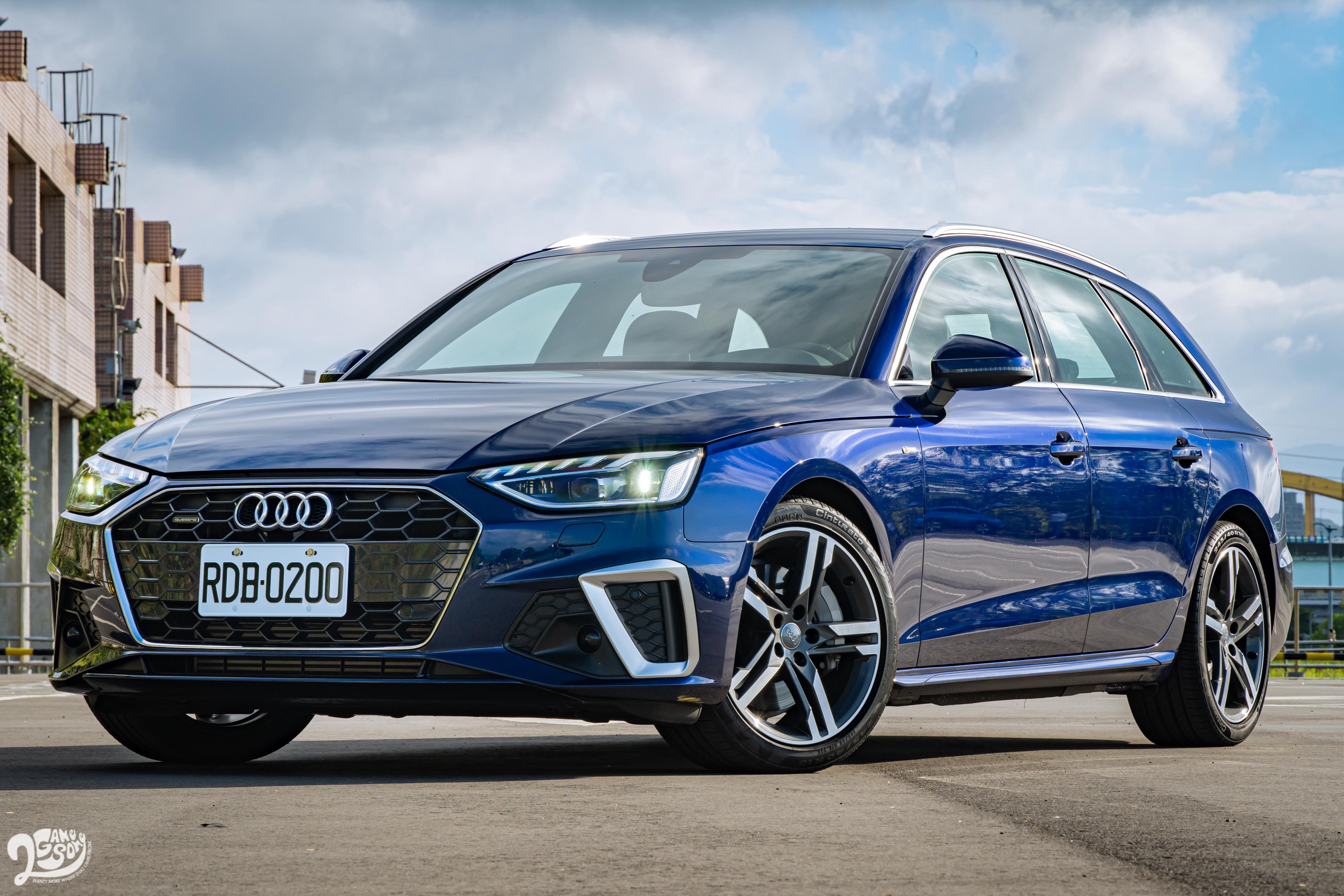 「金屬星際藍色」搭配專屬前後保桿、18 吋五爪輪圈還有旅行車輪廓,低調又不失氣場。