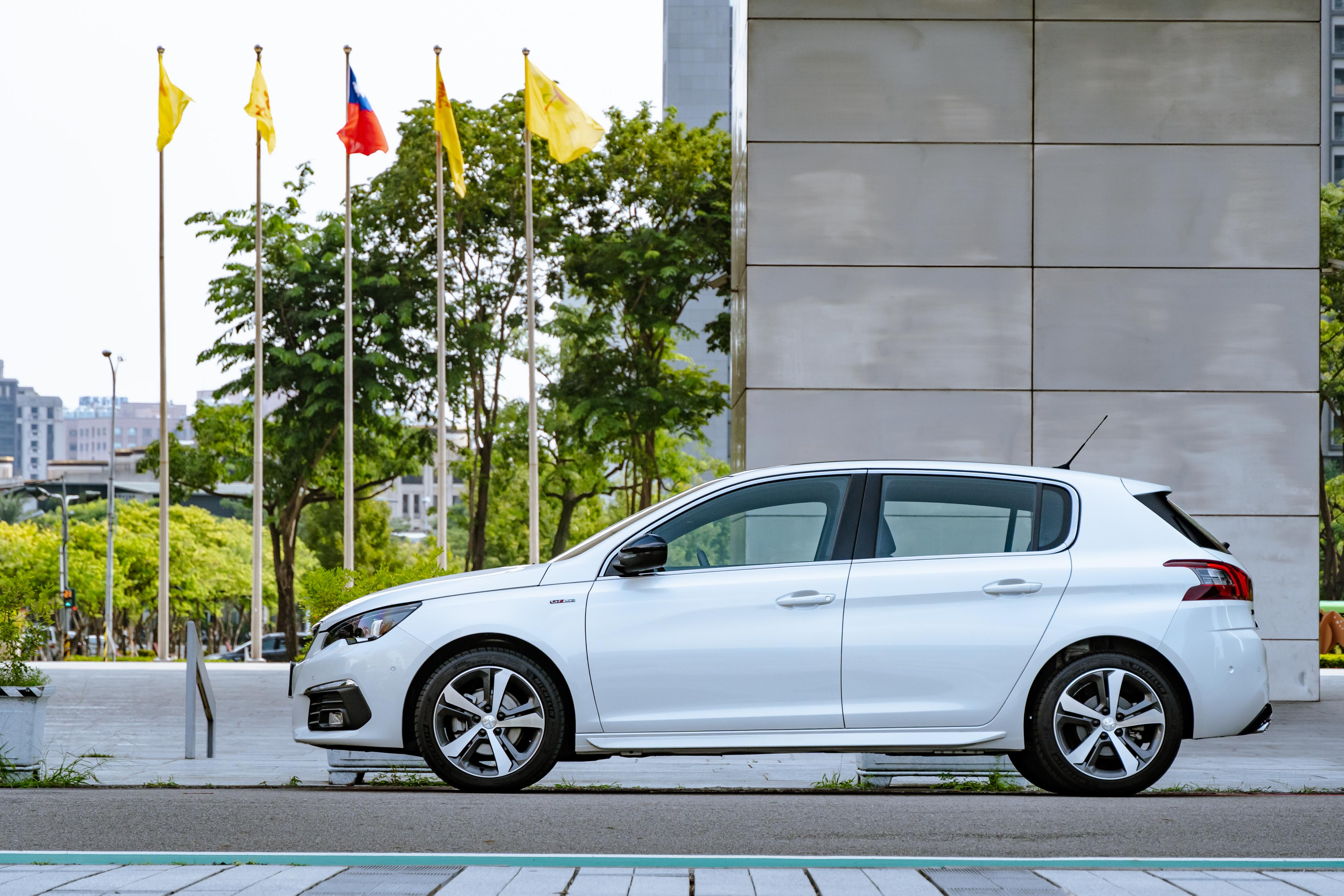 308 Peugeot 適合喜歡五門掀背,也喜歡稀有感的買家。