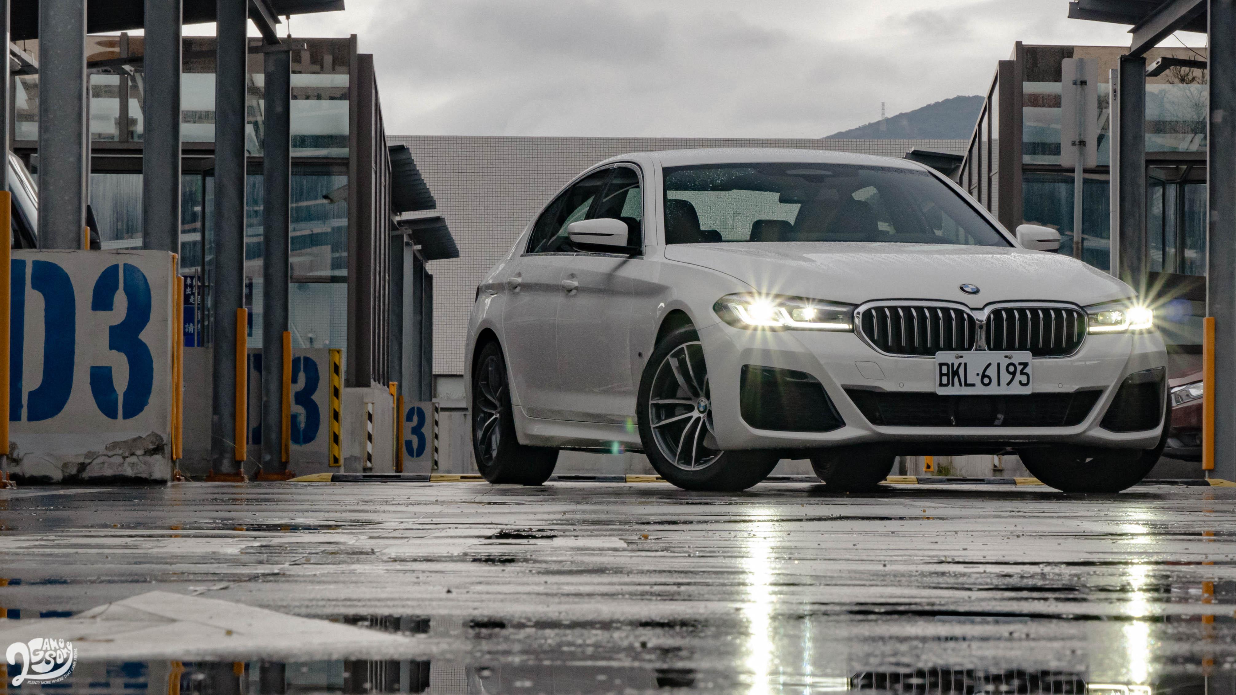 BMW 520i M Sport 首發版售價 279 萬起。