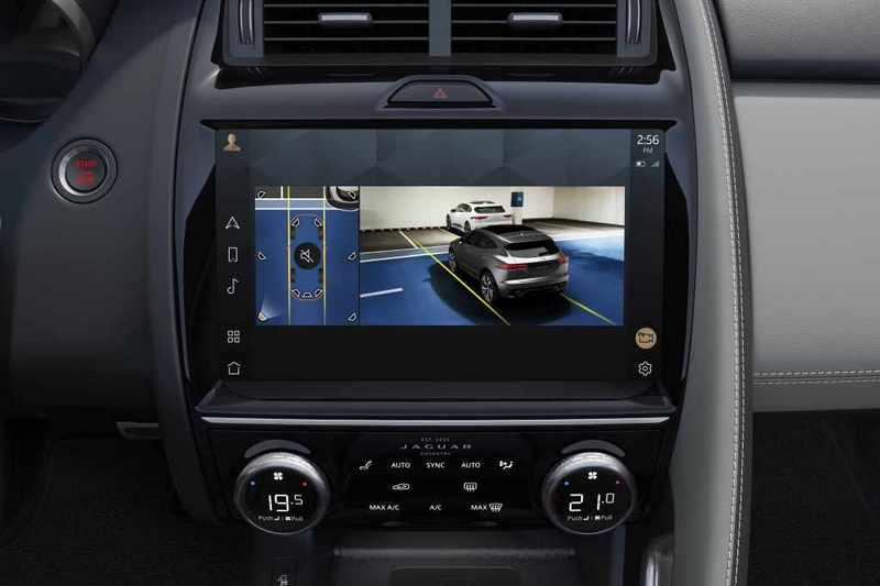 中控換上11.4吋Pivi Pro系統,並且具有防眩光與抗指紋特性。
