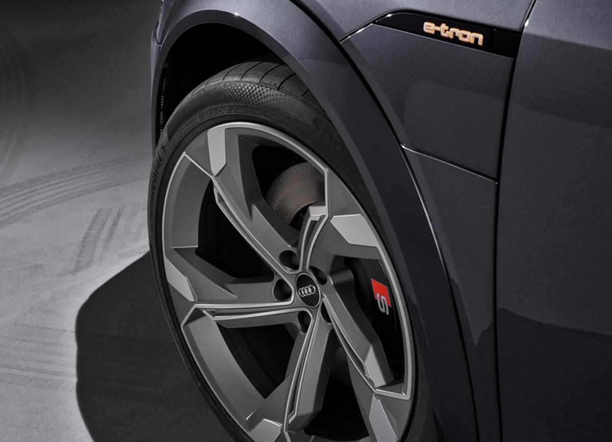 Audi-e-tron_S_Sportback-2021-10.jpg