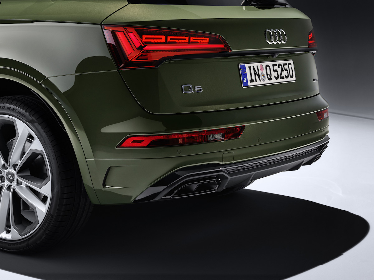 Audi Q5 digital OLED 燈光科技.jpg