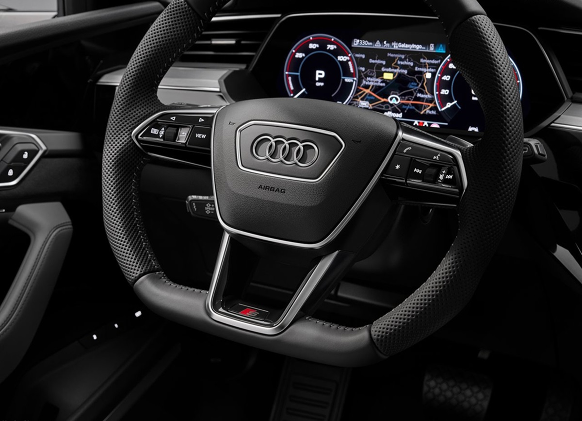 Audi-e-tron_S-10.jpg