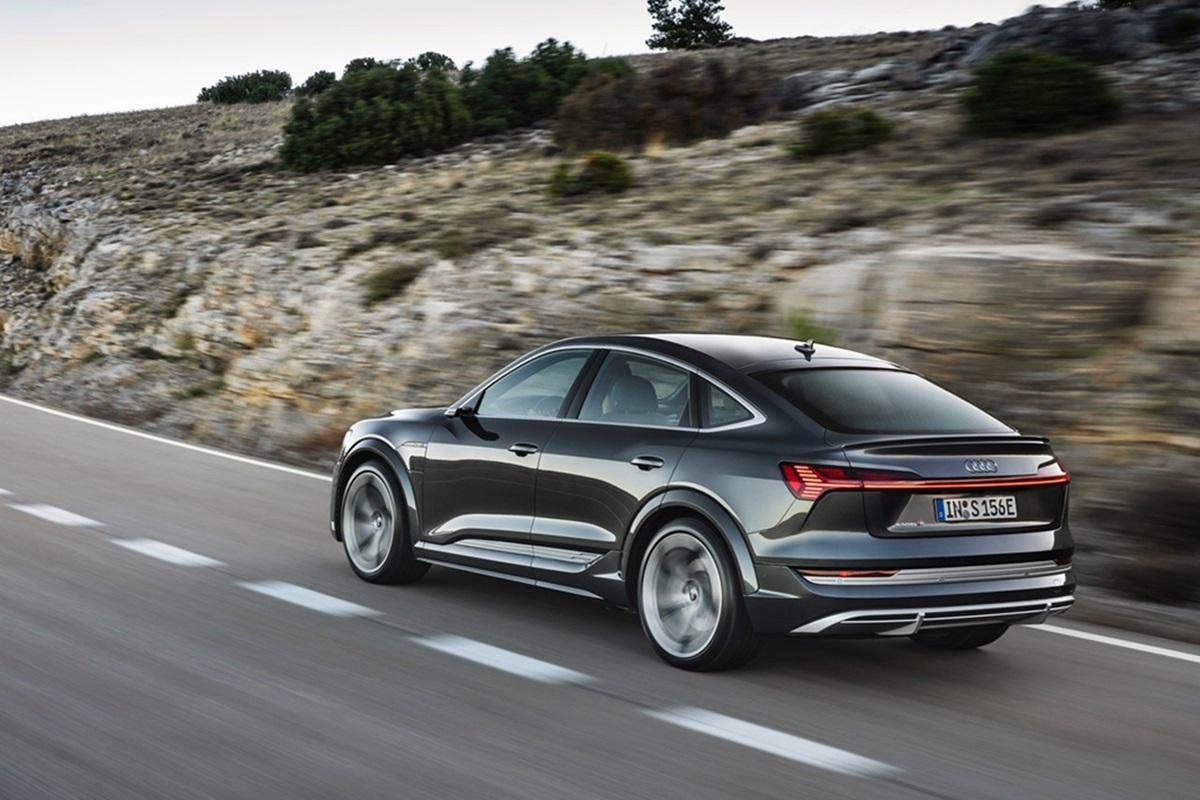 Audi-e-tron_S_Sportback-2021-5.jpg